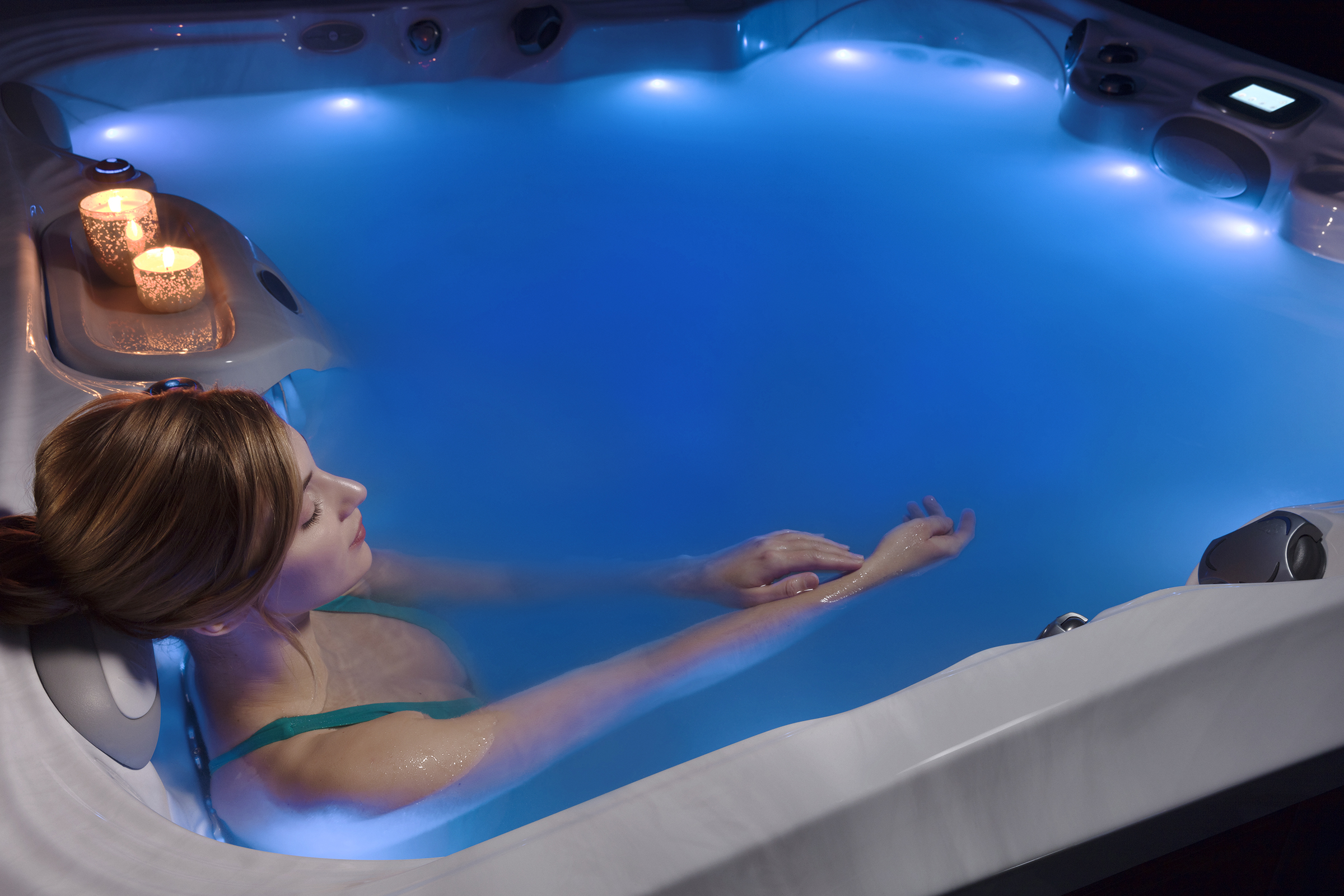 How long should you stay in the hot tub