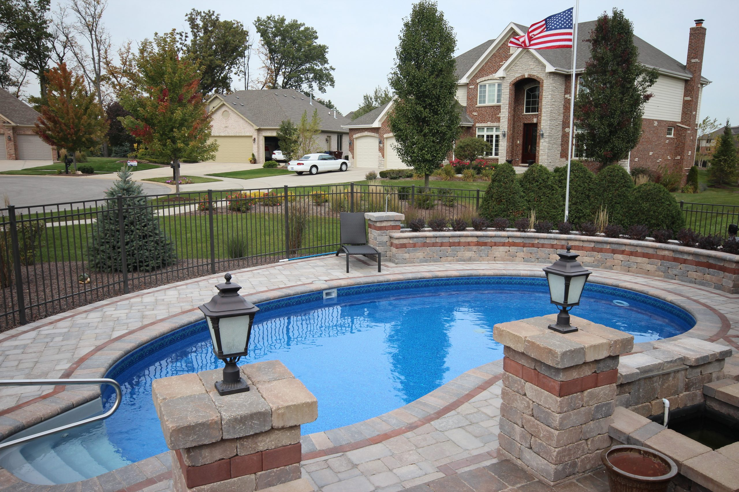 Pros and cons of automatic pool vacuums